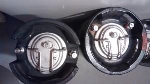 Ball lock (L) and Pin lock (R) kegs